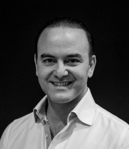 Dr Zaki Kanaan - Dentist in Surbiton